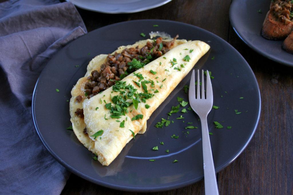 Dusené hlivové stonky v omelete