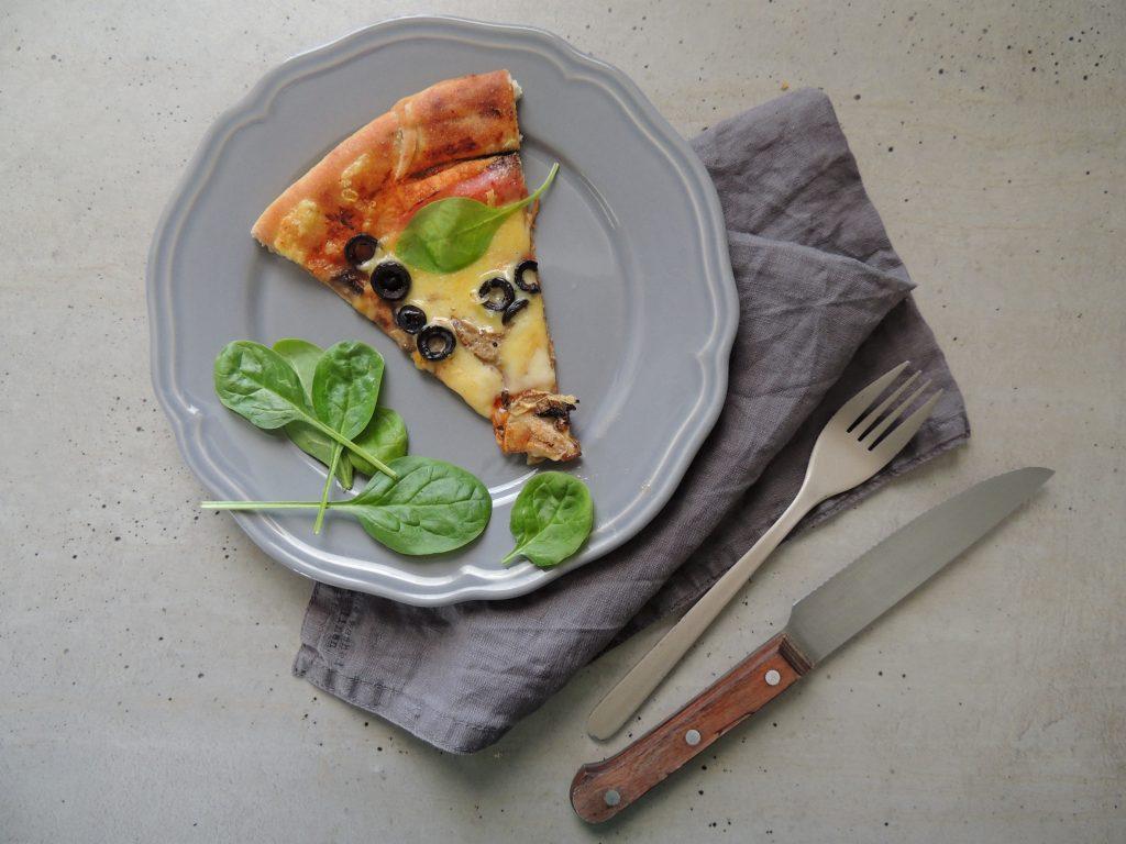 ako zohriať zvyšky pizze