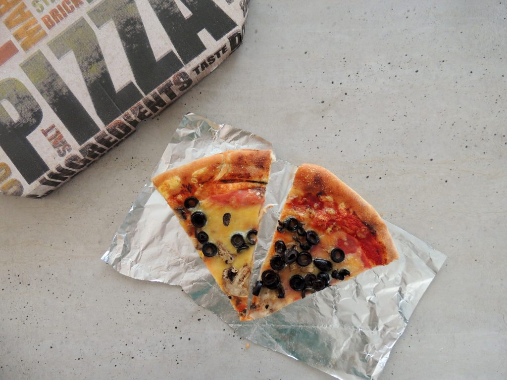 zvyšky pizze